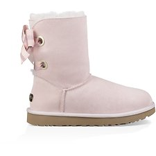 Image of UGG SEASHELL PINK CUSTOMIZABLE BAILEY BOW SHORT
